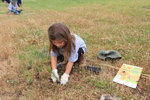 Tambelin Student Gigi Bonet planting